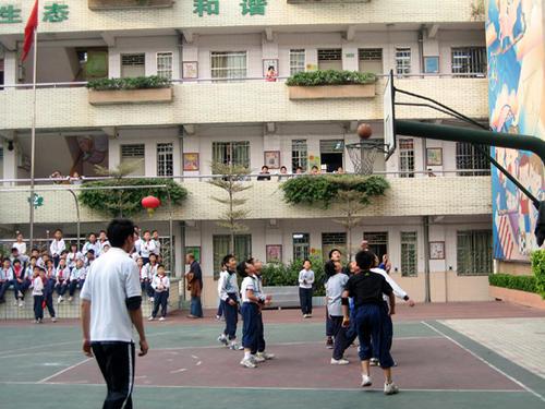 广州越秀区先烈中路小学图片
