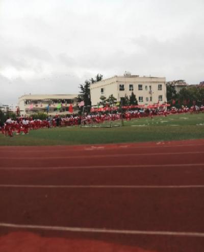 贵阳花溪区第二中学图片