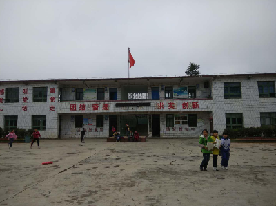 贵阳清镇市月新小学图片